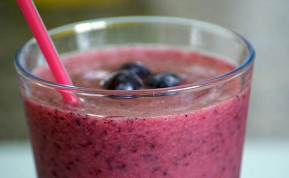protein powder blueberry smoothie
