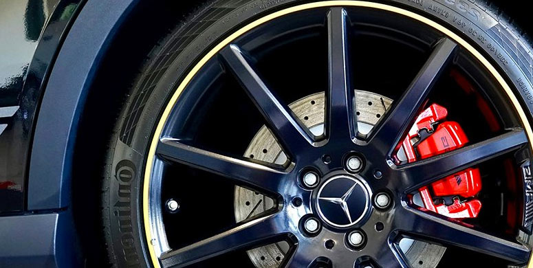 brake pads with tire
