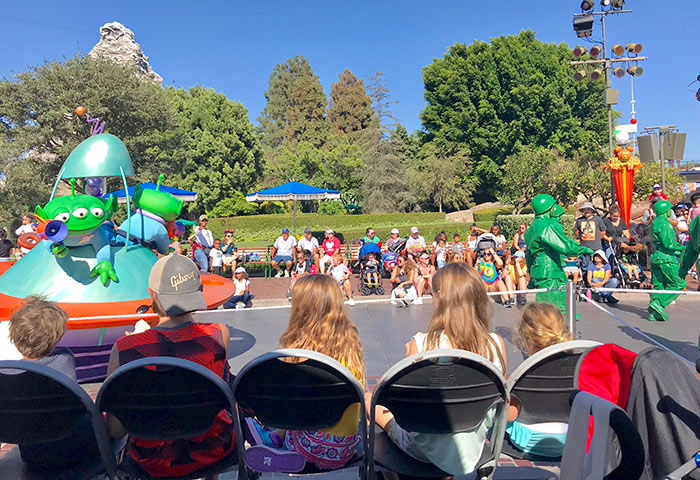 disneyland vip parade seating