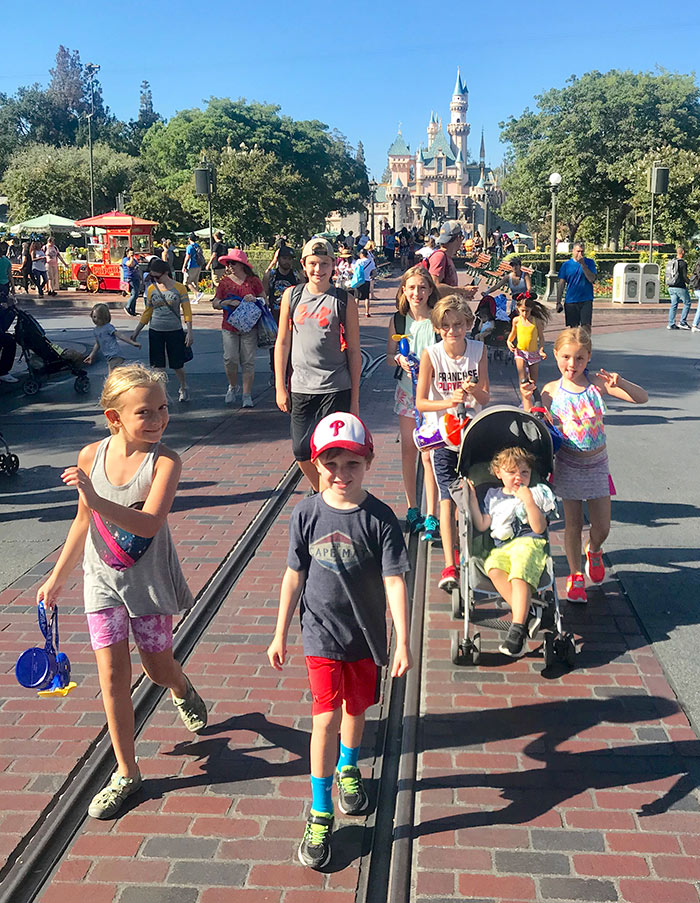 Kids walking down Main Street in Disneyland